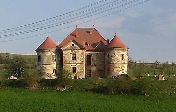 Castelul Pekri Ozd Mures